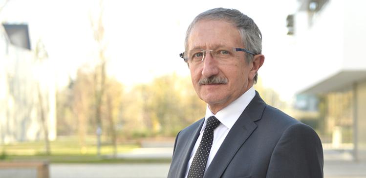 Jean-Pierre GROS, artisan mécanicien à Limoges, également Président de la CMA de la Haute-Vienne, débute un mandat de 5 ans à la Présidence de la CRMA de Nouvelle-Aquitaine.