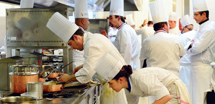 Les meilleurs ouvriers de France craignent la dévalorisation de leur titre
