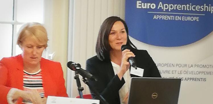 Sabine WEGER (APCMA) et Agnieszka LITWINOWICZ (CRMA Nouvelle-Aquitaine) lors du Séminaire Franco-Allemand les 24 et 25 septembre derniers à l'APCMA (Paris).