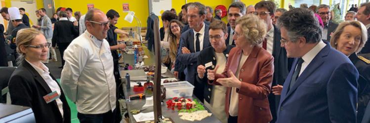 Un premier salon de l'apprentissage et de l'emploi à Poitiers