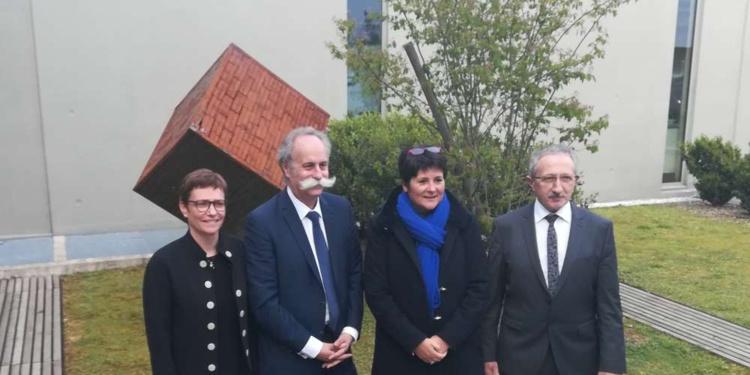 Karine Desroses, Bernard Stalter, Nathalie Gaulthier, Jean-Pierre Gros (absente sur la photo, Nathalie Laporte) ont présenté les mesures prioritaires demandées par les artisans au gouvernementP.R.