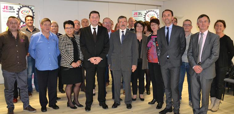 Les élus de la CMA 19 en présence du Préfet de la Corrèze, Bertrand Gaume (au centre en noir) et Marcel Demarty (au centre en gris).