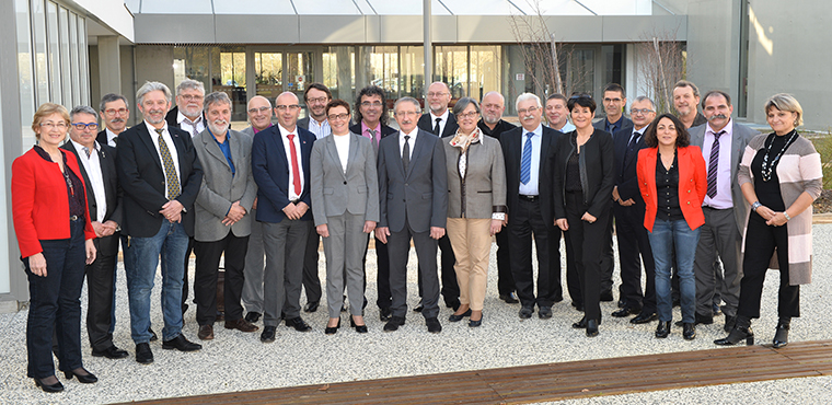 24 membres sont élus au bureau de la CRMA