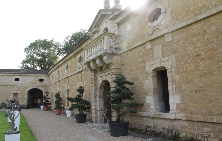 Les communs et le parc du château accueillent les exposants