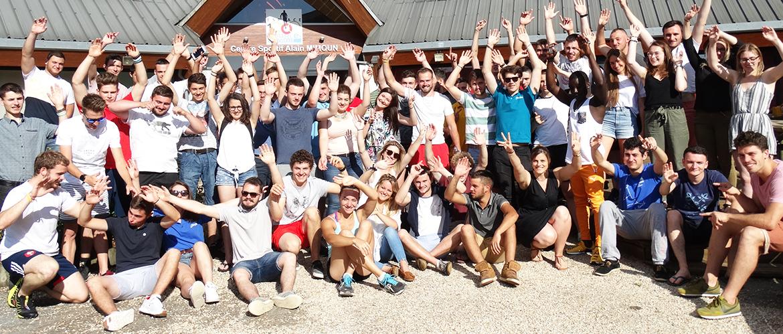L'équipe des Olympiades des Métiers de Nouvelle-Aquitaine réunie au Temple sur Lot...