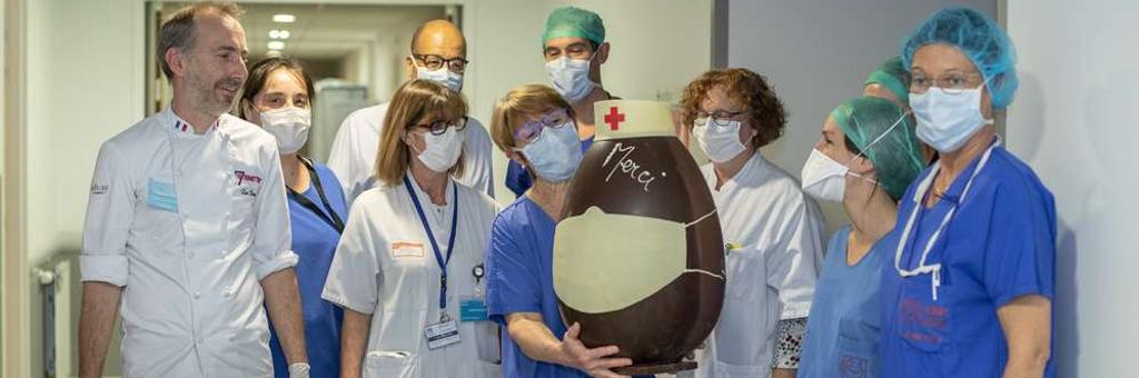 #COVID19 : L'artisan chocolatier bordelais, Luc Dorin, crée un œuf de Pâques géant pour soutenir les soignants
