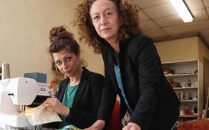 Landes : maître artisan d'art tapissier, elle fait un carton avec ses masques en tissu