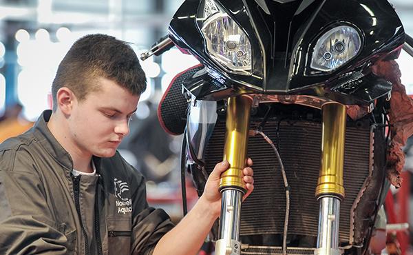Médaille d'OR pour Adrien Cousin, notre mécanicien moto !